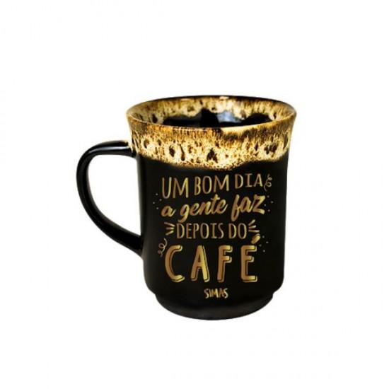 CANECA AMERICANA BORDA - UM BOM DIA A GENTE FAZ DEPOIS DO CAFÉ