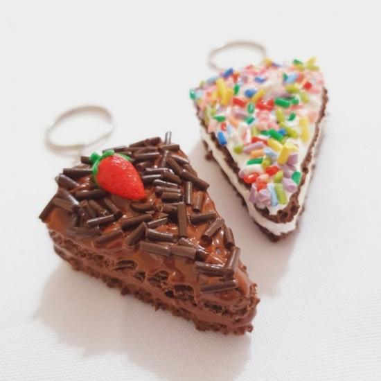 Chaveiro Fatia de Bolo Chocolate Sortido